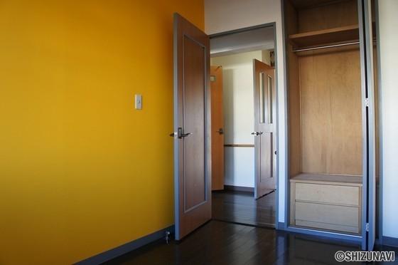 アーバンハイツ厚原210号室の画像