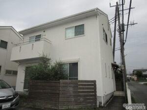 富士宮市舞々木町 平成25年築造 駐車場縦列2台×2例、計4台駐車可